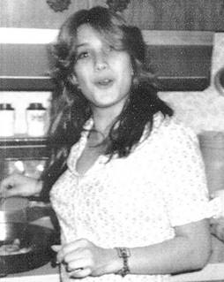 Photo of Roxanne Elaine FLEMING taken around the time she disappeared